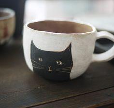 Black cat mug cup Ceramic Pottery, Ceramic Art, Porcelain Ceramic, Ceramic Cups, Tassen Design, Coffee Cups, Tea Cups, Coffee Latte, Cat Mug
