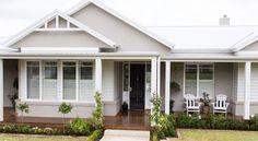 New Exterior House Cladding Colour Schemes 15 Ideas Cottage Exterior, Exterior House Colors, Exterior Design, Wall Exterior, Grey Exterior, Facade Design, Weatherboard Exterior, Cladding Design, Exterior Cladding