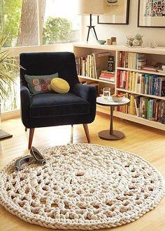 Me tiene enamorada esta alfombra...en este rincón pegan hasta los libros, están…