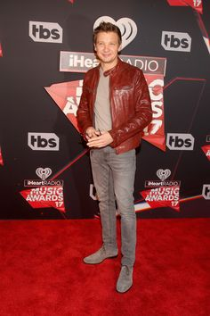 Jeremy Renner Photos Photos - iHeartRadio Music Awards - Red Carpet Arrivals - Zimbio