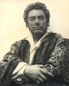 """Mario Del Monaco July 1915 – 16 October was an Italian operatic tenor who earned worldwide acclaim for his powerful voice. ~Judging from the earring, I'd say """"Otello."""" He was famed fro his Verdi roles. Opera Music, Opera Singers, Mario, Chant, Classical Music, Theatre, Ballet, 16 October, Image"""
