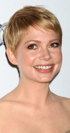 Pixie Cuts for Round Face The stylish pixie cuts for round face are recognized as popular among women who prefer to wear short hair. The original hair. Pixie Cut Round Face, Pixie Haircut For Round Faces, Short Hair Styles For Round Faces, Round Face Haircuts, Hairstyles For Round Faces, Straight Hairstyles, Curly Hair Styles, Pixie Haircuts, Short Hairstyle
