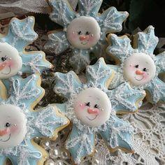 #christmascookies #snowflakecookies #decoratedsugarcookies #