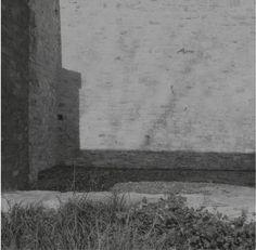 C'est au tour cette année de Downwards de fêter ses vingt ans par une inévitable et souhaitée compilation anniversaire. Vingt années durant lesquelles le label anglais s'est entiché d'une esthétique techno, industrielle et post-punk permettant notamment à ses fondateurs, Karl O'Connor et Peter Sutton, d'exsuder leur frénésie discographique sous les alias respectivement de Regis et Female. Sur ladite compilation on [...]