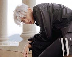 Chanyeol - W Korea Magazine, November 2019 Issue Baekhyun Chanyeol, Rapper, W Korea, Pose, Celebrity List, Celebrity Guys, Celebrity Style, Z Cam, Princesses