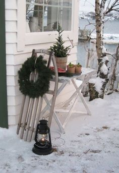 Make of an old sled the most beautiful Christmas decoration! Number 6 is . Beautiful Christmas Decorations, Magical Christmas, Christmas Love, Outdoor Christmas, Country Christmas, Winter Christmas, Xmas, Christmas Pine Cones, Christmas Wreaths
