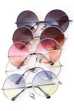 Hippie gerundete Sonnenbrillen - A La Mode Boutique & Co. - - Hippie gerundete Sonnenbrillen - A La Mode Boutique & Co. Round Lens Sunglasses, Cute Sunglasses, Cat Eye Sunglasses, Sunglasses Women, Sunglasses Accessories, Fake Glasses, Glasses Frames, Circle Glasses, Hipster Kunst
