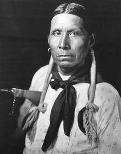 Roy Thomas, a Kaw man. No additional information. Native American Pictures, Native American Beauty, American Spirit, American Indian Art, Native American History, Native American Indians, Native Americans, Plains Indians, American Life