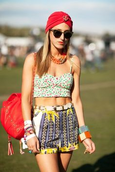 "Coachella 2012 - ""Stylist Lauren Shane rocks Topshop shorts, vintage turban, and H bustier, a Topshop bag, and jewelry from Marni"" Coachella Festival, Coachella Style, Festival Outfits, Coachella 2012, Festival Looks, Festival Style, Music Festival Fashion, Freestyle, Boho Outfits"