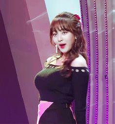Her big breasts are so sexy. Pretty Korean Girls, Pretty Asian, Beautiful Asian Girls, South Korean Girls, Korean Girl Groups, Korean Beauty, Asian Beauty, Jihyo Twice, Nayeon
