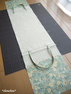 2レシピ 6-5 Handmade Fabric Bags, Handmade Purses, Denim Tote Bags, Diy Tote Bag, Japan Bag, Linen Bag, Patchwork Bags, Bag Making, Purses And Bags