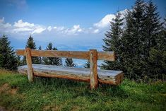 The Rigi Massif offers no less than 120 kilometers of hiking and climbing routes suitable for taking a simple walk to climbing a mountain. Outdoor Furniture, Outdoor Decor, Switzerland, Road Trip, Scenery, Wanderlust, Hiking, Adventure, Climbing