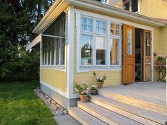 Trendy Home Exterior Porch Doors Porch Doors, Porch Entry, Home Bar Designs, Home Design Plans, House With Porch, House In The Woods, Exterior Design, Interior And Exterior, Country Home Exteriors