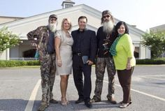 """Si (from left), Alan and Phil Robertson gear up for a fourth season of """"Duck Dynasty"""" in the Duck Commander workshop on June Robertson Family, Duck Dynasty Family, Justin Martin, Miss Kays, West Monroe, Duck Calls, Duck Commander, Quack Quack, Pastor"""
