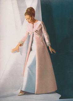 "featherstonevintage: "" Jean Patou Jours de France - Special Haute Couture, March 1 1965 Photographed by Manchon-Veron "" 60s Vintage Clothing, Vintage Gowns, Vintage Outfits, Vintage Glam, Vintage Vogue, Vintage Barbie, Vintage Inspired, Vintage Style, Gala Dresses"