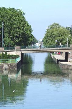 Le Pont des «Bonnes Gens» sur le Canal du Rhône au Rhin à Mulhouse.