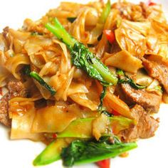 Pad Kee Mao- Spicy noodles with veggies and meat  my favorite food ever