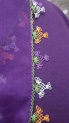 – ideas hermosas y diferentes Violet embroidered with ribbons. Fabric Bracelets, Bead Loom Bracelets, Mouse Crafts, Types Of Lace, Crochet Baby Toys, Diy Monogram, Quilted Table Runners, Needle Lace, Lace Making