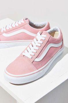 Vans Pink Old Skool Sneaker. - Vans Pink Old Skool Sneaker. Source by - Vans Sneakers, Vans Footwear, Rosa Vans, Cute Shoes, Me Too Shoes, Estilo Vans, Urban Outfitters, Adidas Design, Vans Outfit