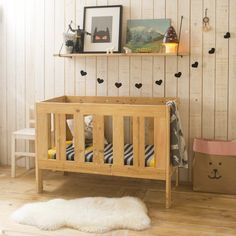 Today Somebody Visits us…Carina from Xo In My Room! Diy Nursery Furniture, Wooden Pallet Furniture, Kids Furniture, Baby Nursery Themes, Baby Room Decor, Baby Cradle Wooden, Superhero Room, Kid Spaces, My Room