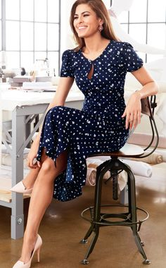 Eva Mendes Collection - Arianna Dress I have this dress! Work Fashion, Modest Fashion, Spring Fashion, Fashion Outfits, Fashion Hacks, Ladies Fashion, Fashion Bloggers, Womens Fashion, Fashion Jewelry