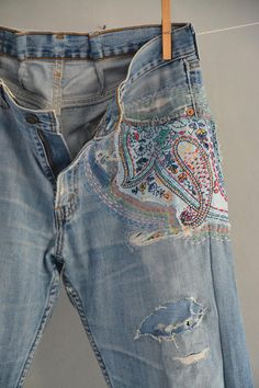 RARE amazing pair of Guess overalls Awesome rare vintage men's Guess jeans wor - New Ideas Levis Jeans, Cropped Jeans, Grunge Jeans, 80s Jeans, Hipster Jeans, Vintage Jeans, Jean Vintage, Embellished Jeans, Embroidered Jeans