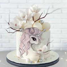 Unicorne Cake, Cake Art, My Little Pony Cake, Little Cakes, Unicorn Cake Design, Kitten Cake, Baby Birthday Cakes, Unicorn Gifts, Cute Desserts