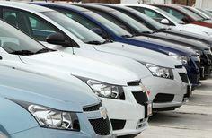 1.707.633 automóveis foram emplacados no primeiro semestre de 2013, representando um crescimento de 4,6%. Saiba mais: https://www.consorciodeautomoveis.com.br/noticias/vendas-de-carros-crescem-4-6-no-primeiro-semestre-de-2013?idcampanha=296_source=Pinterest_medium=Perfil_campaign=redessociais