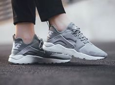 63928b015484 😍Women s NIKE Grey White Huaraches Size 9 Great Used Condition! Box is not  included! Black Size 9 Huaraches are also posted on my page! Smoke Free  Home!