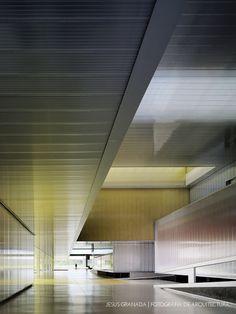 Aulario y talleres de la Universidad Pablo de Olavide | MGM arquitectos | http://www.jesusgranada.com/olavidemgm/