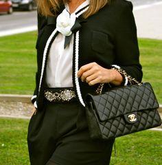 Fashion and Style Blog / Blog de Moda . Post: A Classic never fails / Un Clásico nunca falla  See more/ Más fotos en : http://www.ohmylooks.com/?p=3570 OhMyLooks by Silvia García Blanco