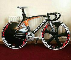 Koga Bike Gadgets, Bicycle Garage, Fixed Bike, Fixed Gear, Bmx Freestyle, Cool Bicycles, Bicycle Design, Road Bikes, Cycling Bikes