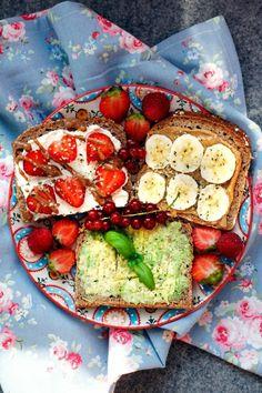 Balanced breakfast for a healthier life Raw Food Recipes, Brunch Recipes, Veggie Recipes, Healthy Recipes, Clean Eating Snacks, Healthy Snacks, Healthy Eating, Balanced Breakfast, Perfect Breakfast