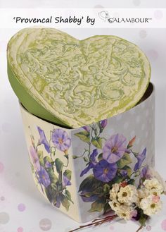 Heart-shaped box decorated with the new papers Provencal Shabby TCR 18 Plaster Mortar Effect MD 1 Decapè color 016 - Water green and 005 - Sunshine yellow- 003 - Ivory