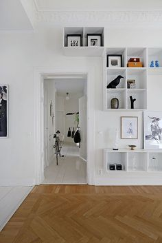 my scandinavian home: A white Stockholm space, loving this wall storage idea Home Renovation, White Painted Floors, Interior Decorating, Interior Design, Decorating Ideas, Swedish House, Scandinavian Home, Shelving, Box Shelves