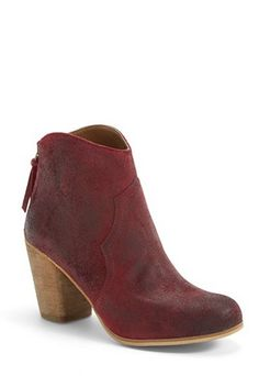 These booties tho #FallMustHaves