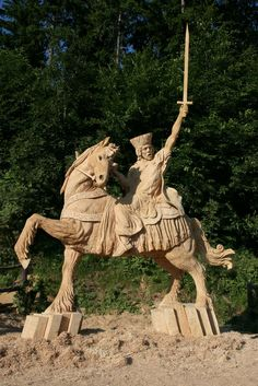 chainsaw carving | Finished Sculpture by Team King USA