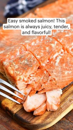 Salmon With Skin Recipes, Smoked Salmon Recipes, Lobster Recipes, Fish Recipes, Smoker Recipes, All You Need Is, Masterbuilt Recipes, Cook Skins, Grilled Salmon
