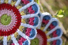 De natuur is, naast mijn oma, mijn grootste inspiratiebron als het om kleurrijke dingen maken gaat. De mooiste kleur combinaties vind...