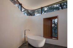 Lichen House in Sonoma Valley, California / Schwartz and Architecture Sonoma Valley, Interior Decorating, Interior Design, Room Interior, Decorating Ideas, California Homes, Story House, Architecture Photo, Flats
