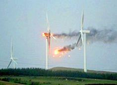 ALLPE Medio Ambiente Blog Medioambiente.org : Un aerogenerador ardiendo por el viento