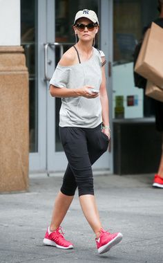 Katie Holmes workout style