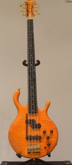 The best Pedulla Octabuzz fretless 8-string bass picture available