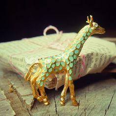 Blue giraffe brooch pin antique styled vintage by Craft365.com ~ US$11.90