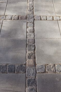 Stunning Picture Collection for Paving Ideas & Driveway Ideas driveway paving ideas (che Driveway Paving, Stone Driveway, Driveway Design, Garden Paving, Garden Paths, Driveway Ideas, Garden Structures, Walkway, Back Gardens