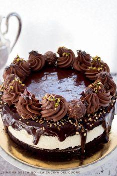 Una ganache al cioccolato lucida e goduriosa per la mud cake