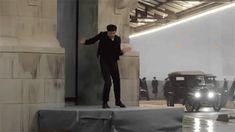 Ezra Miller - Fantastic Beasts bts gif