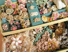 vintage shell jewelry....when I lived in Florida back in the 1970's...there were still old souvenir shops along the beaches...with old stock...tons of old jewelry....loved....