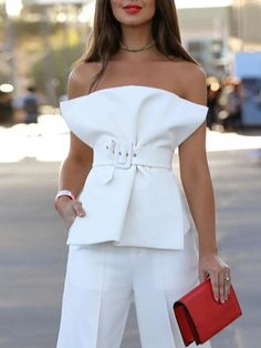 Incredibly Shop for the White Cotton Blend Bandeau Buckle Strap Waist Chic Women Blouse onl. - Women's Jewelry and Accessories-Women Fashion White Fashion, Look Fashion, Fashion Tips, Fashion Design, Fashion Trends, Parisian Fashion, Feminine Fashion, Fashion Videos, Parisian Chic