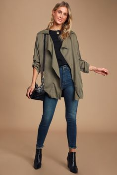 They say luck be a lady, and she must be a fashionable one with numbers like the Lucky Break Olive Oversized Jacket! Draping front and cute dolman sleeves. Cargo Jacket Outfit, Green Jacket Outfit, Olive Green Outfit, Green Suede Jacket, Green Cargo Jacket, Black Leggings Outfit, Green Coat, Olive Clothing, Oversized Jacket